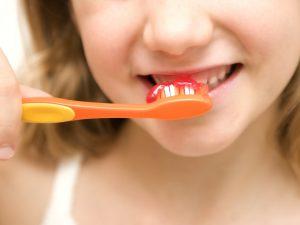 houston brushing teeth